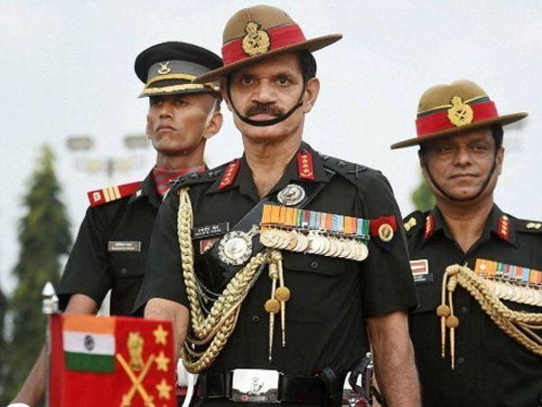 जनरल दलबीरसिंग सुहाग यांना 2014 मध्ये आर्मी चीफ बनवण्यात आले. - फाइल - Divya Marathi
