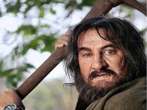 पुढील स्लाईडमध्ये तुम्हाला कळेल, हा अभिनेता आहे तरी कोण... - Divya Marathi