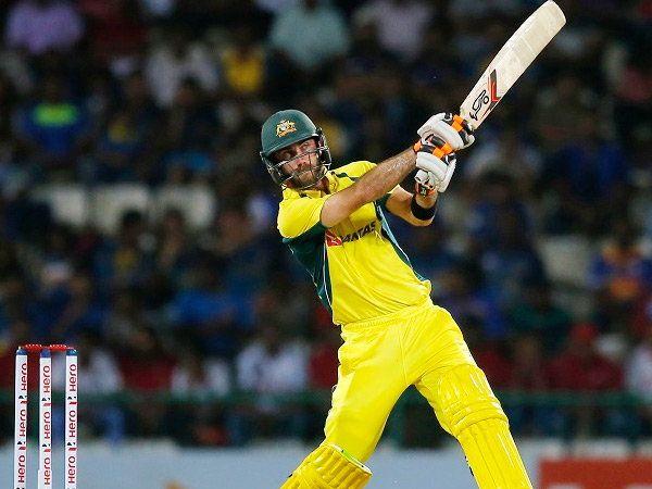 मॅक्सवेलने 26 चेंडूत षटकारासह अर्धशतक ठोकले तर पुढील 50 धावा त्याने अवघ्या 23 धावात काढल्या. - Divya Marathi