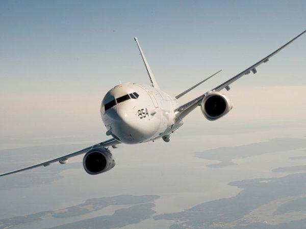 अमेरिकेचे पी-8 विमान. (फाईल फोटो) - Divya Marathi