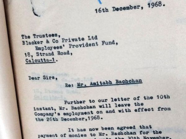 अमिताभने 26 डिसेंबर 1968 ला ब्लॅकर अँड कंपनीमधून राजीनामा दिला होता. त्यावेळी त्यांचा पगार जवळपास 1500 रुपये होता. पण त्यांना 30 नोव्हेंबर 1968 पर्यंतच पगार देण्यात आला होता. - Divya Marathi