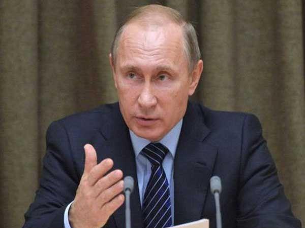रशियाला व राष्ट्राध्यक्ष ब्लादिमीर पुतिन यांना तिस-या महायुद्धाची सध्या भीती वाटतेय. - Divya Marathi