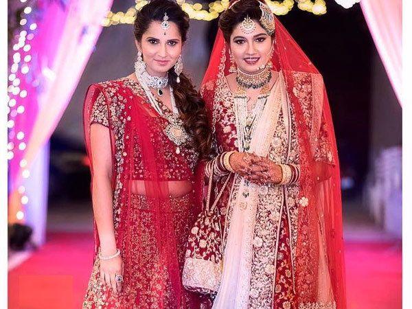 सानिया आणि अनम मिर्झा - Divya Marathi