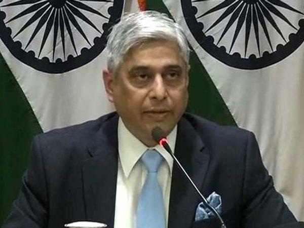 परराष्ट्र मंत्रालयाचे प्रवक्ते विक्सा स्वरुप म्हणाले, चर्चेसाठी शांतता पाहिजे. - Divya Marathi