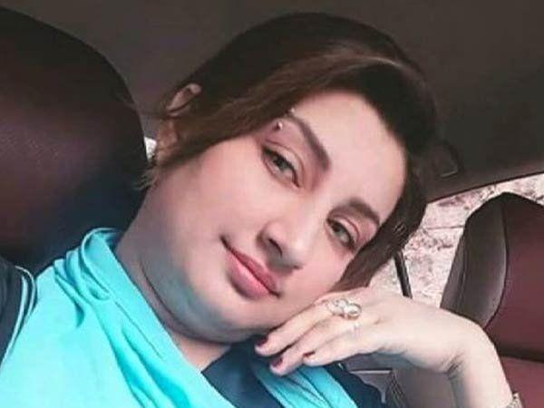 पाकिस्तानची प्रसिद्ध स्टेज अॅक्टर किस्मत बेग - Divya Marathi
