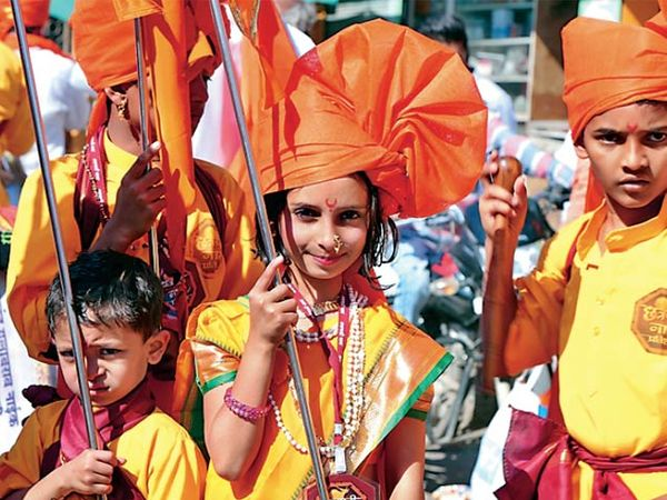 बीड :  शिवजन्माेत्सव साेहळा मिरवणुकीत बालकांनी सहभाग घेतला. - Divya Marathi