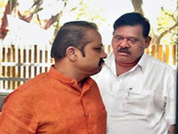 महापालिकेत अाम्हीच स्वबळावर सत्ता स्थापन करणार, असा मुद्दा शिवसेनेचे महानगरप्रमुख अजय बाेरस्ते भाजपचे शहराध्यक्ष अामदार बाळासाहेब सानप मांडत असावेत... - Divya Marathi