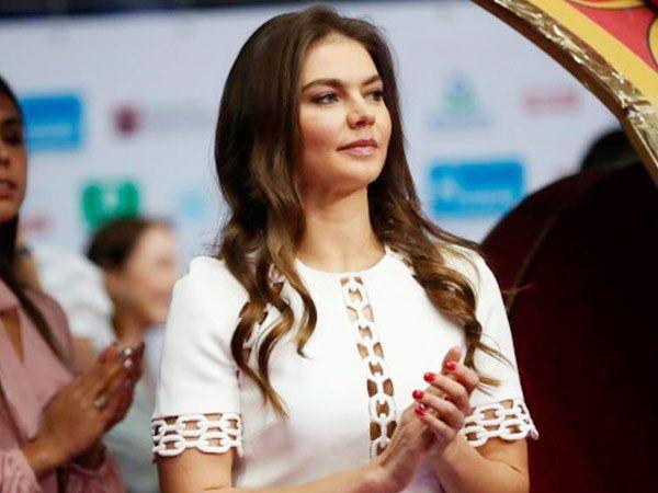 रशियाची गोल्ड मेडलिस्ट एलीना काबाऐवा... - Divya Marathi