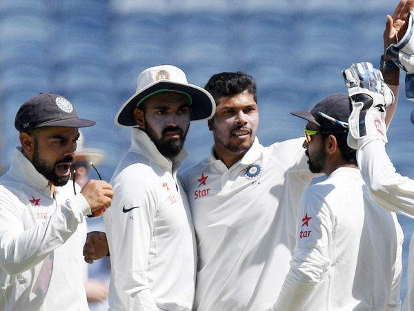 भारताकडून उमेश यादवने जबरदस्त गोलंदाजी केली. त्याने केवळ ३२ धावांत ४ बळी टिपले. - Divya Marathi