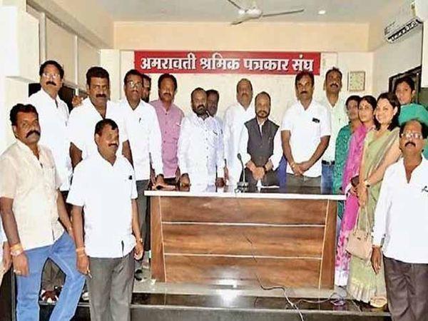 बंद संदर्भात आयोजित पत्रपरिषदेत खा. अडसूळ, शिवसेना महानगर प्रमुख सुनील खराटे उमेदवार - Divya Marathi