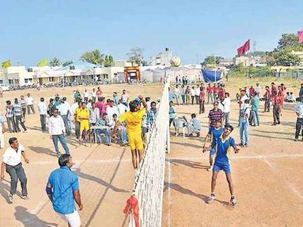 संग्रहित, 5 मार्चपर्यंत विविध खेळांसह योगाचे देण्यात येणार जिल्हा स्टेडियमवर प्रशिक्षण - Divya Marathi