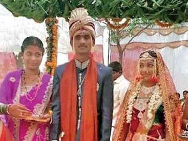 सुभाष गायकवाड तसेच मंजुश्रीचा स्मशामभूमीत विवाह झाला. - Divya Marathi