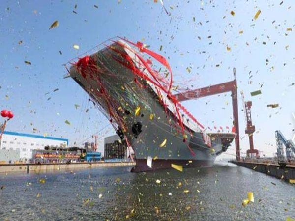 पुर्णत: स्वदेशी बनावटीची चीनची ही पहिलीच विमानवाहू नौका आहे. - Divya Marathi