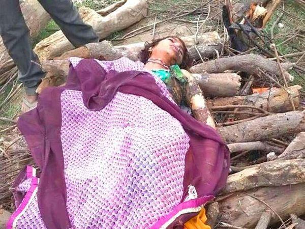 महिलेला सासरच्यांनी बेदम मारहाण करून खून केल्याचा माहेरच्या लोकांचा आरोप आहे. - Divya Marathi
