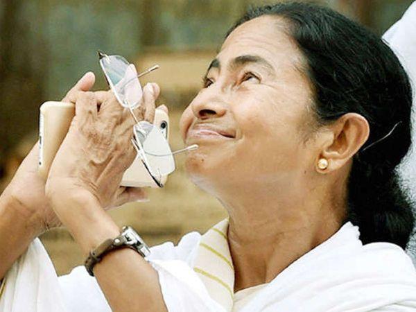 पश्चिम बंगालच्या 7 स्थानिक स्वराज्य संस्थांसाठी 13 ऑगस्ट रोजी मतदान पार पडले. - Divya Marathi