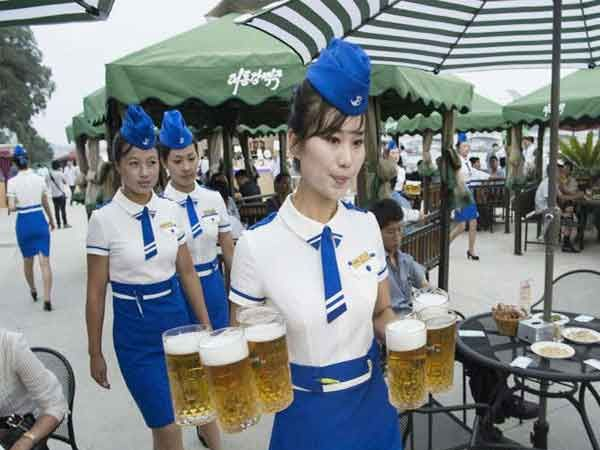 उत्तर कोरियातील शहरी भागातील श्रीमंती दाखविणारे हे फोटोज... - Divya Marathi