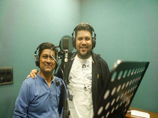 प्रवीण कुंवर आणि सुहास सावंत यांच्या आवाजात हे गीत ध्वनीमुद्रित करण्यात आलं आहे. - Divya Marathi
