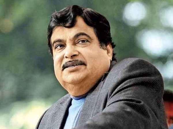 केंद्रीय रस्ते वाहतूक मंत्री नितीन गडकरी. - Divya Marathi
