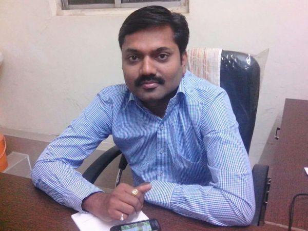 प्राणघातक हल्ला झालेले डॉ. अमोल बिडकर. - Divya Marathi