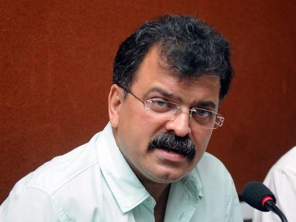 राष्ट्रवादी काँग्रेसचे आमदार जितेंद्र आव्हाड. - Divya Marathi