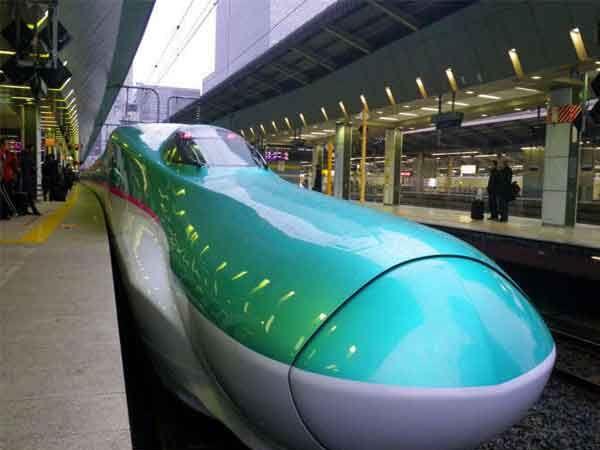 जपानची बुलेट ट्रेन शिन्कानसेन ई-5.... - Divya Marathi