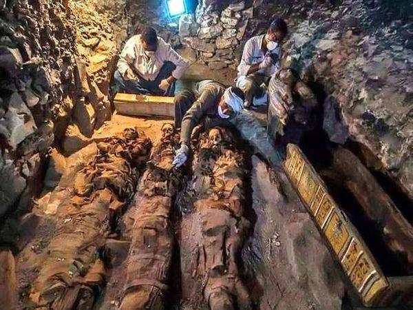 दरा अबुल नगा नावाच्या या जागेमध्ये इजिप्तच्या राजवंशातील व्यक्तींना पुरले जायचे. - Divya Marathi