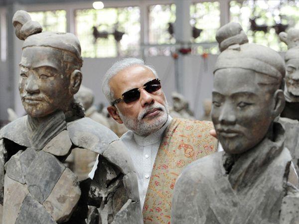 चीन दौऱ्यातील एक क्षण... - Divya Marathi