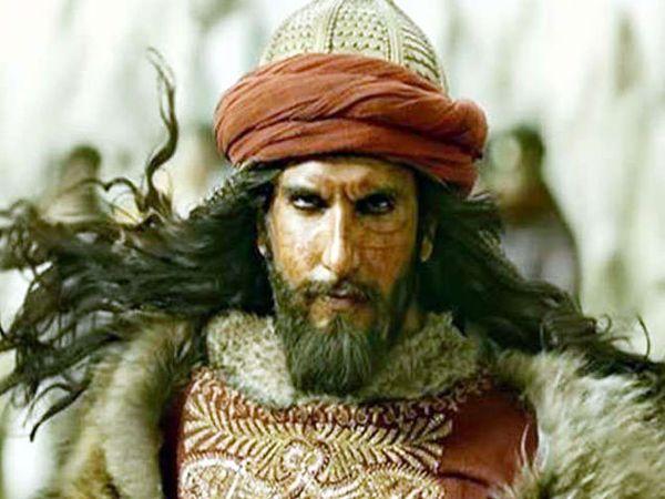 सिनेमा पद्मावतीमध्ये अलाउद्दीनच्या भुमिकेत रणवीर कपूर. - Divya Marathi