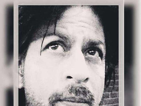 शाहरुख खानचा पहिला इंस्टाग्राम फोटो. - Divya Marathi