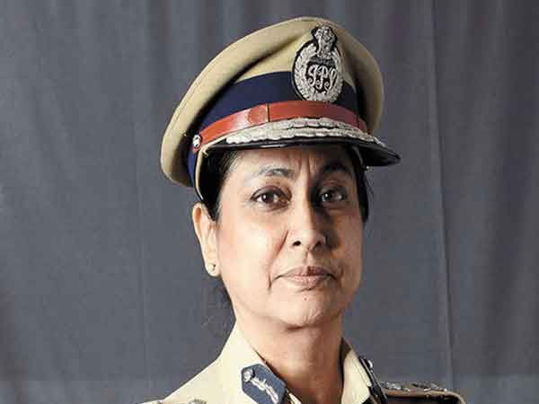 महाराष्ट्र केडरची पहिली महिला आयपीएस आहे मीरा बोरवणकर... - Divya Marathi