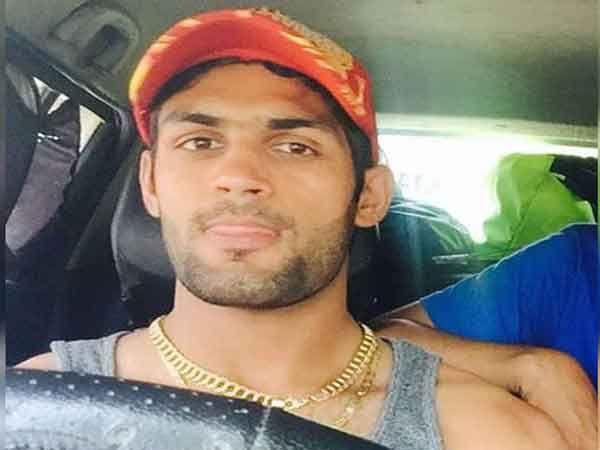 हा युवा क्रिकेटर दीपक पुनिया इंडियन नेवीत ऑफिसर आहे. - Divya Marathi