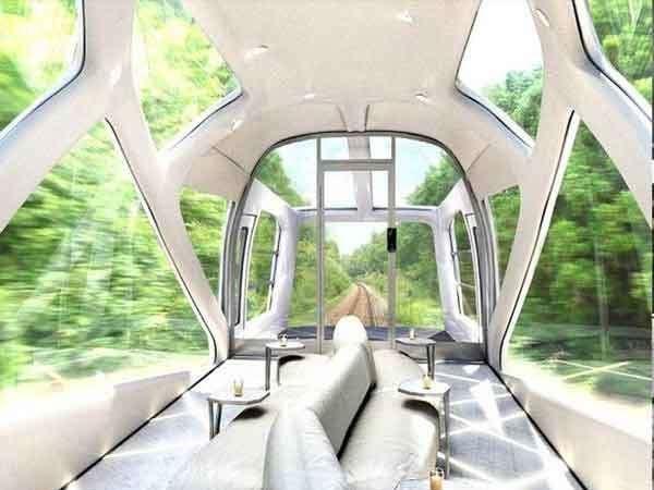 जपानचे ईस्ट रेल्वेने बनवलेली ही लग्झरी बुलेट ट्रेन... - Divya Marathi