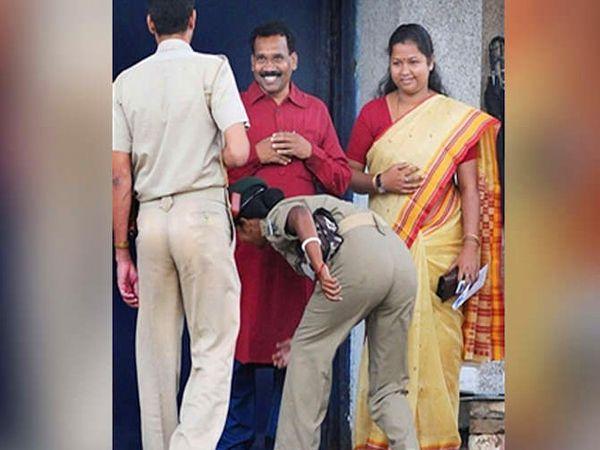 झारखंडचे मुख्यमंत्री राहिलेले मधु कोडा यांच्या पत्नी गीता कोडा आमदार आहेत. - Divya Marathi