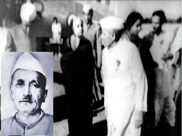पं. जवाहरलाल नेहरूंसमवेत माणिकचंद पहाडे. - Divya Marathi