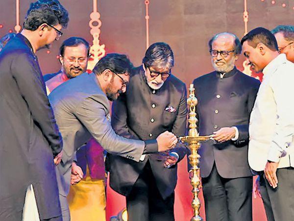 ५० व्या भारतीय आंतरराष्ट्रीय चित्रपट महोत्सवाची सुरुवात बुधवारी पणजीत अमिताभ बच्चन, रजनीकांत, मंत्री जावडेकर यांच्या उपस्थितीत झाली. - Divya Marathi