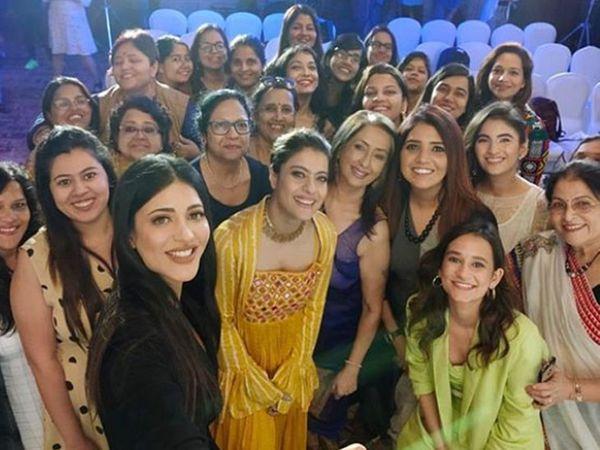 'देवी'च्या स्क्रिनिंगला एकत्र आलेले कलाकार - Divya Marathi
