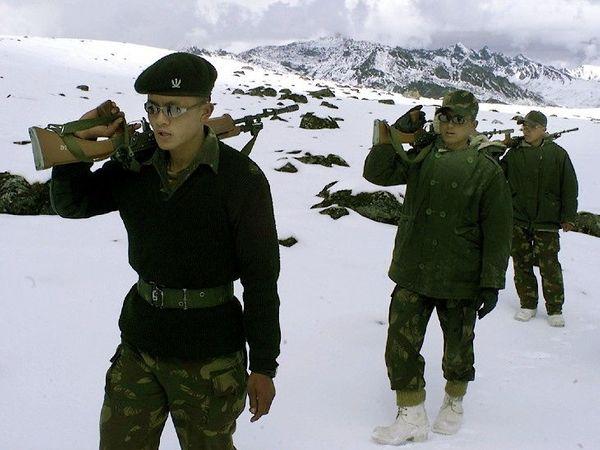 5 मे रोजी पूर्व लडाखच्या पेनगोंग त्सो तलाव क्षेत्रात चीन आणि भारतीय सैनिकांमध्ये वाद झाला. (फाइल फोटो) - Divya Marathi