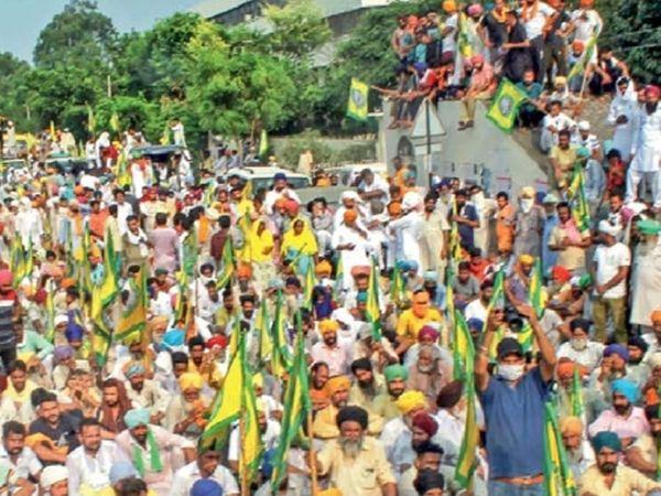 छायाचित्र पतियाळातील आहे. येथे शेतकऱ्यांनी आंदोलन केले - Divya Marathi