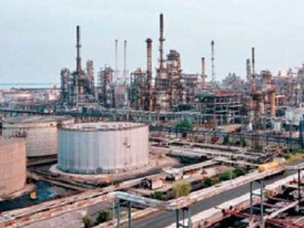 हल्दिया रिफायनरीत रविवारी पंतप्रधान ऑइल कारखान्याचे भूमिपूजन करतील. - Divya Marathi