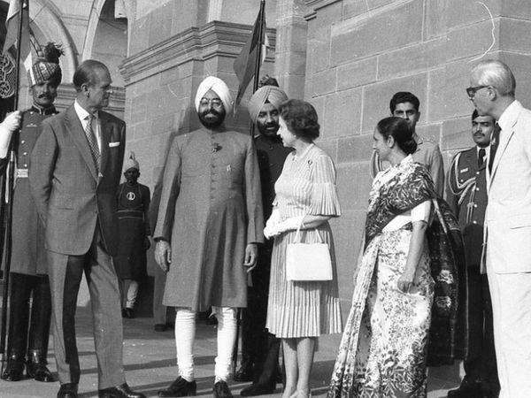 7 नोव्हेंबर 1983 रोजी ब्रिटनची महाराणी एलिझाबेथ -2 आणि प्रिन्स फिलिप यांनी दुसर्यांदा भारताचा दौरा केला. तत्कालीन राष्ट्रपती ज्ञानी झेल सिंह यांनी या शाही जोडीचे स्वागत केले होते.