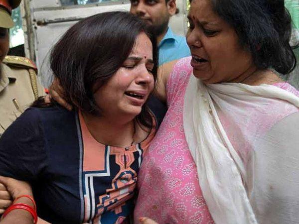 મૃતક વિવેકની પત્ની કલ્પના તિવારી - Divya Bhaskar