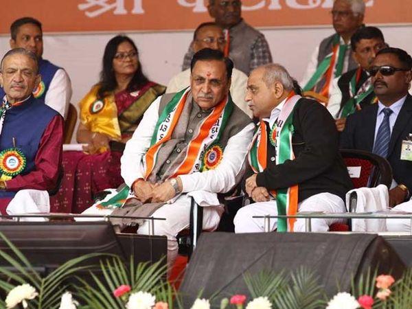 'લવ વાળા પ્રેમથી બધી વાત કરે, કડવા છીએ એટલે કે તમે થોડું જાણો જ છો બધું આપણું. આખા ગુજરાતમાં અમને બધાને માફ કરી દે' ' - Divya Bhaskar