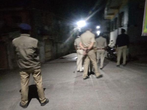 જાફરાબાદમાં ચુસ્ત પોલીસ બંદોબસ્ત ગોઠવાયો - Divya Bhaskar