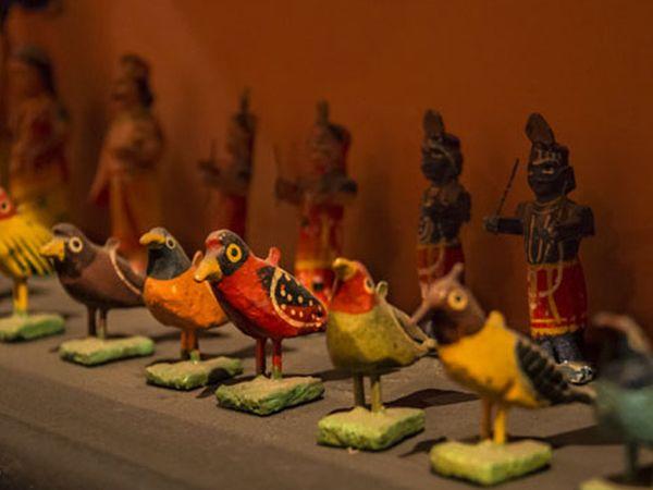 ટોય્ઝ મ્યુઝિયમમાં 300 જેટલાં અનોખા રમકડાંનો સંગ્રહ છે. - Divya Bhaskar