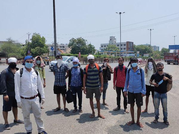 પંડોળ ઇન્ડસ્ટ્રીઝના 100 લોકો 40 ડિગ્રી ગરમીમાં પગપાળા નિકળી પડ્યા - Divya Bhaskar