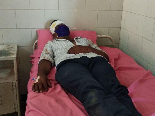 ગંભીર ઇજાગ્રસ્ત યુવાનને સારવારમાં ખસેડાયો હતો - Divya Bhaskar