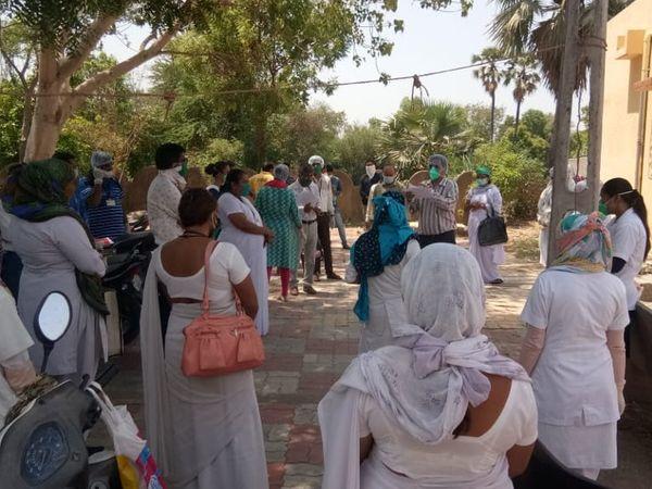 એરાલ ગામમાં આરોગ્યની ટીમોના ઘામા - Divya Bhaskar