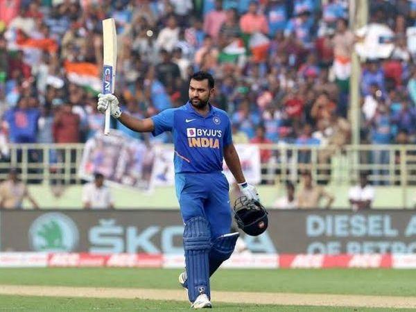 રોહિત શર્મા વર્ષ 2019માં ICC વનડે ક્રિકેટર ઓફ ધ યર તરીકે પસંદ થયો હતો. -ફાઈલ ફોટો - Divya Bhaskar