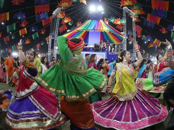 સરકાર કોવિડ 19ની ગાઈડલાઈન પ્રમાણે નવરાત્રિમાં છૂટછાટ આપવા અંગે વિચારી કરી રહી છે: નીતિન પટેલ - Divya Bhaskar
