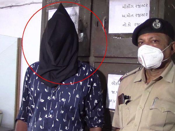પોલીસે આરોપી નરાધમ પિતાની ધરપકડ કરીને કાયદેસરની કાર્યવાહી હાથ ધરી છે. - Divya Bhaskar